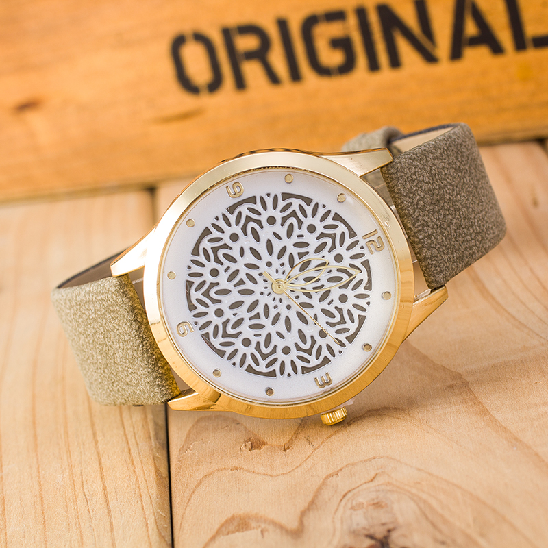 Sloggi New Casual Watch Women Hollow Flower Pattern Leather Watch Student Personality Pointer Quartz Watch Reloj De Mujer