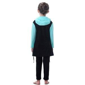 Image 5 - Синий купальник для маленьких девочек, детские мусульманские спортивные костюмы для плавания с длинным рукавом, водонепроницаемые детские толстовки для плавания для девочек, костюмы, пляжный купальник