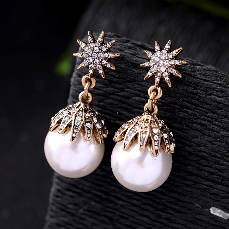 Antique Gold Color Crystal Snow Flower Earrings Big Simulated Pearl Beaded Pendant Earrings For Bridals Wedding Jewelry With The Best Service