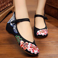 Vintage Embroidery Flats Floral Casual Zapatos Fashion Chinese Old BeiJing Women Leisure Retro Single Dance Shoes