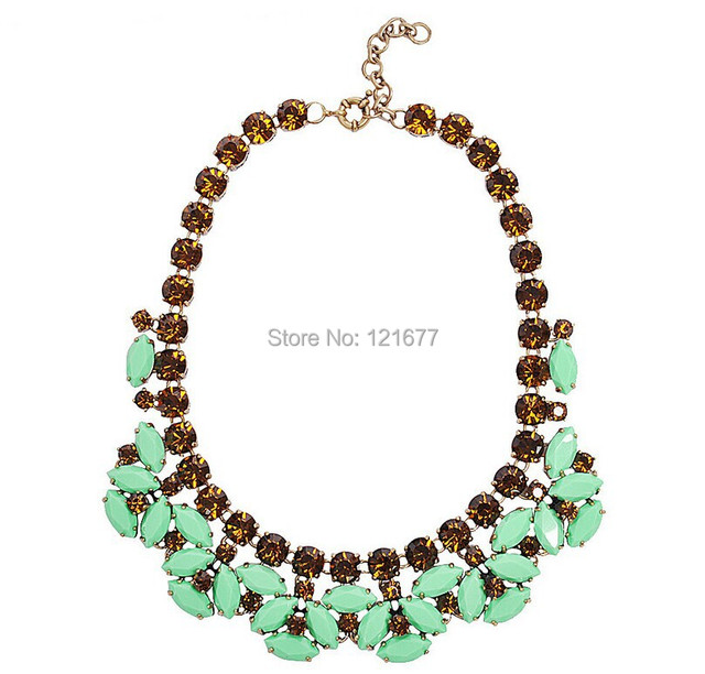 Fashion Luxury Choker Green Gem Geometric Chunky Necklace Novelty Vintage Banquet Collar Brand Designer Costume Accessories