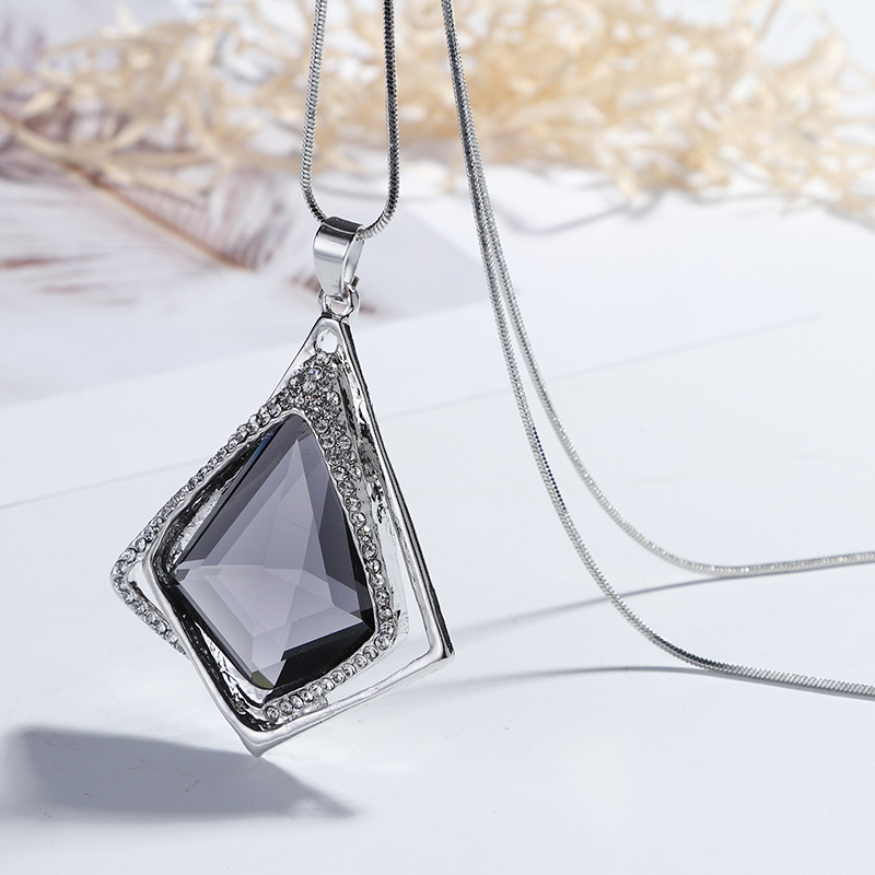 Geometric Crystal Pendant Long Necklace Women Fashion Jewelry Bijoux Sweater Necklaces Cute Gift