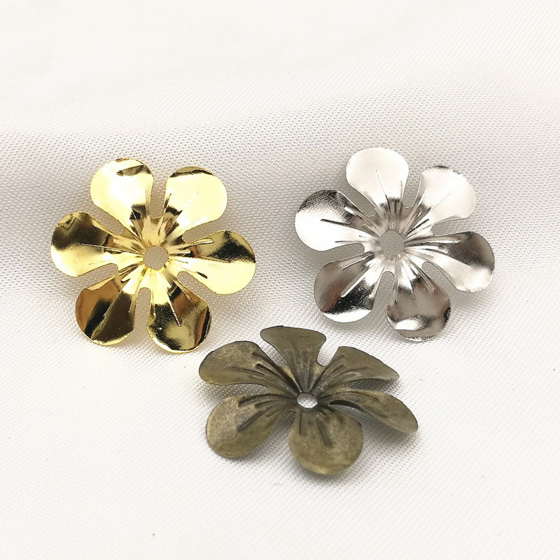 50 Pcs/lot Gold Color/White K/Antique Bronze Metal Filigree Flowers Slice Charms Setting Jewelry DIY Components B100777