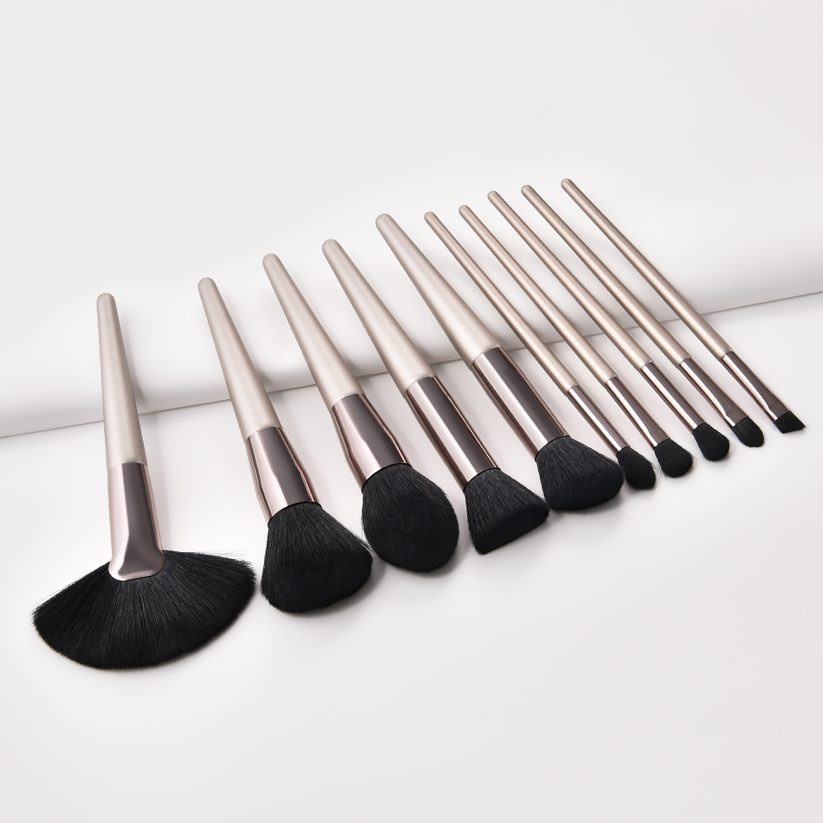 Makeup Brush Set Foundation Brush Eyeshadow Eye Powder Eyebrow Eyeliner Lip Makeup Brushes Cosmetic Beauty Tools 5pcs mermaid makeup brush set fish tail foundation powder eyeshadow blusher contour blending cosmetic brushes beauty tools kit