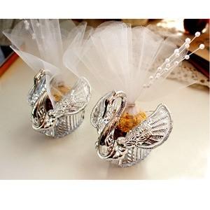 Image 3 - 50 stück Acryl Hochzeit Favor Swan Boxen Bomboniere Candy Box Geschenk Boxen