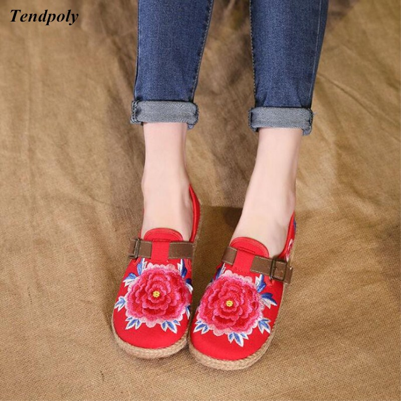 2018 new old Beijing cloth shoes embroidered soft bottom Women's shoes comfortable leisure Chinese family name wind ladies shoes vintage embroidery women flats chinese floral canvas embroidered shoes national old beijing cloth single dance soft flats