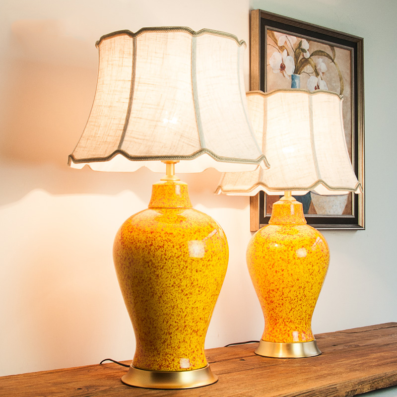 Modern Jingdezheng Yellow <font><b>Ceramic</b></font> <font><b>Table</b></font> <font><b>Lamps</b></font> Luxtry Red Point Shape Copper <font><b>Base</b></font> Desk Lights For Bedroom Bedside Decor Lights image