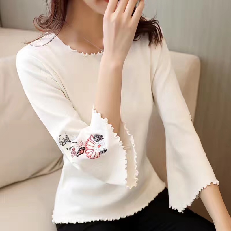 2017 Autumn New Embroidered Round Collar Knit Trousers Long Sleeve Korean Womens Clothing Sweaters Fashion Design