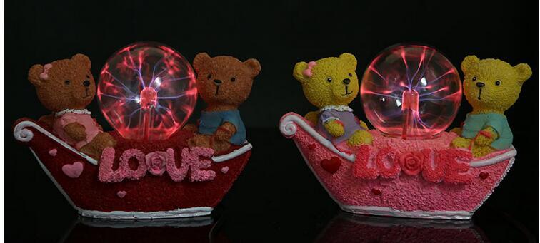Résine lampe magique creative couple ours résine boule lumineuse creative Arts et cadeaux pour la décoration d'ameublement usine outle