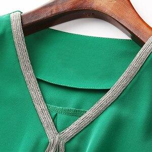 Image 5 - Elegante delle donne della camicia professionale vestiti di nuova estate di modo di temperamento Con Scollo A V mezza manica in chiffon camicetta plus size parti superiori allentate