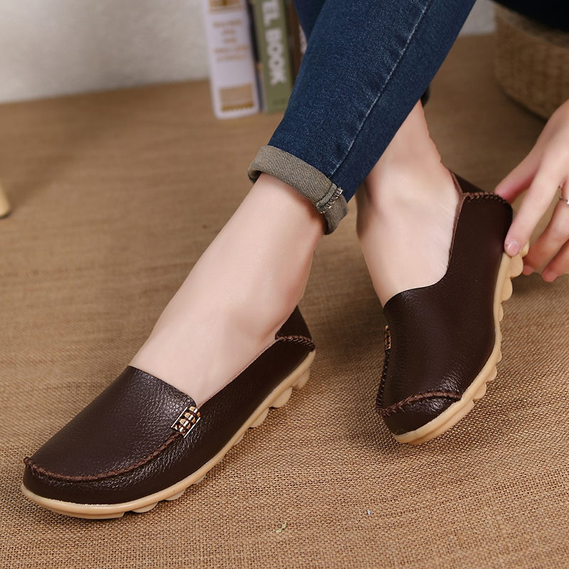 Hot Sale New Fashion Leisure Women Flats 2017 Wild Woman Casual Shoes Solid Moccasins Loafers Classic Flat Mother's Shoes SAT432 2017 summer new women fashion leather nurse teacher flats moccasins comfortable woman shoes cut outs leisure flat woman casual s