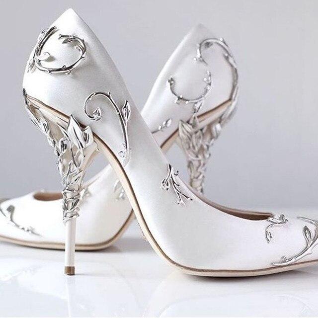 a80bb4f166cc65 Zobairou magnifique fleur sculpture jolies femmes chaussures talons hauts  noir blanc bleu soie mariage chaussures mariée