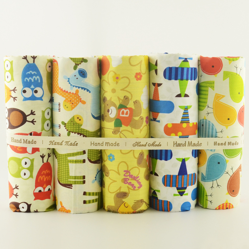 Teramila Cotton Fabric Lovely Cartoon Design 5PCS / lot 40cmx50cm Hjem Tekstil DIY Sying Klær Sying Tecido Patchwork