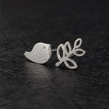 Asymmetric 925 Silver Exquisite Fashion Jewelry Small Hollow Leaves And Bird Personality Earrings  SE29