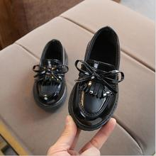 Новые брендовые весенне-осенние туфли из искусственной кожи для мальчиков и девочек; детские туфли-оксфорды с бахромой; брендовые туфли на плоской подошве с бахромой и бантом; размеры 21-36