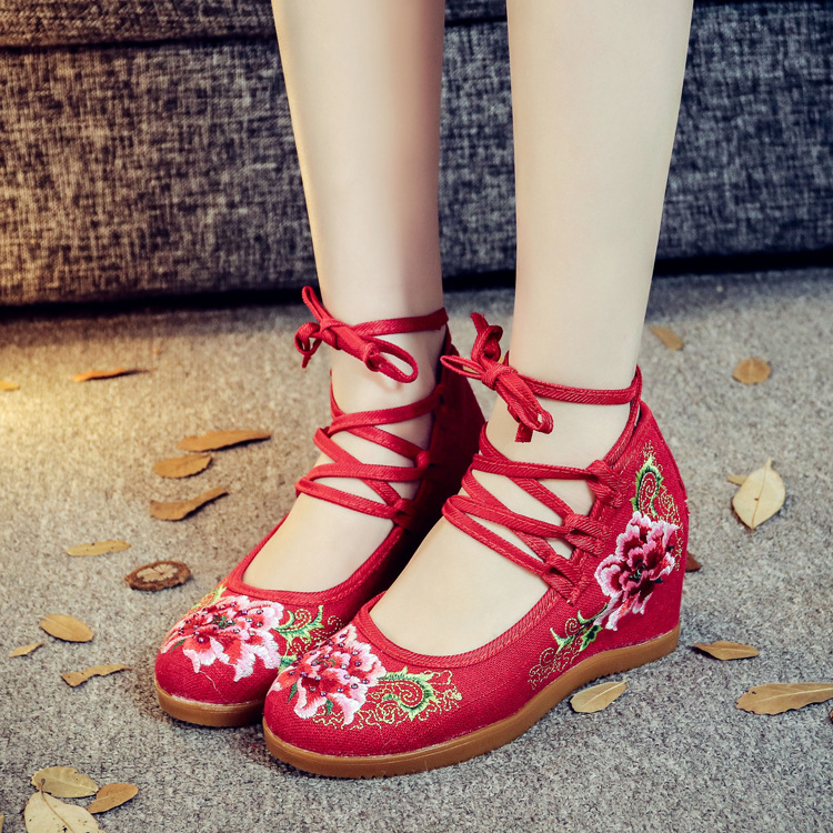 2018 Classic Women Shoes Old Beijing Mary Jane Flats With Casual Shoes Chinese Style Embroidered Cloth Shoes Woman Canvas Shoes