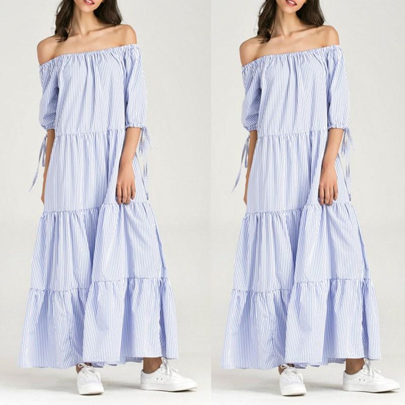Blauwe jurk met witte streep
