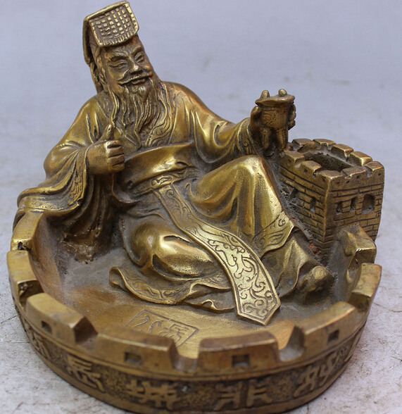 JP S0114 Chinese Brass Happy Qin Shi Huang Hold Cup Overlie Great Wall Statue Ashtray