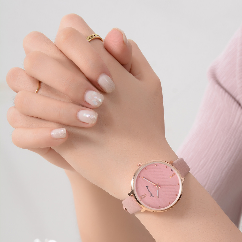 Minimalist Style Neutral Watches BGG Fashion Watch Men Women Quartz Clock Korean version Wild Dress Wristwatches Leather &FfMinimalist Style Neutral Watches BGG Fashion Watch Men Women Quartz Clock Korean version Wild Dress Wristwatches Leather &Ff