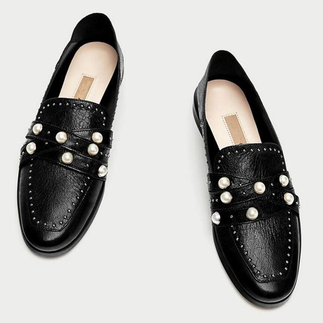 6b17da3d2e US $19.25 30% OFF|famous designer pearl decoration moccasins shoes woman  cross leather band flats women rivets mules square toe pearl loafers  y745-in ...