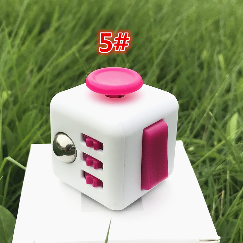 Pink White 5 3333cm Fidget Cube 13 Inch Hand Spinner Anxiolytic