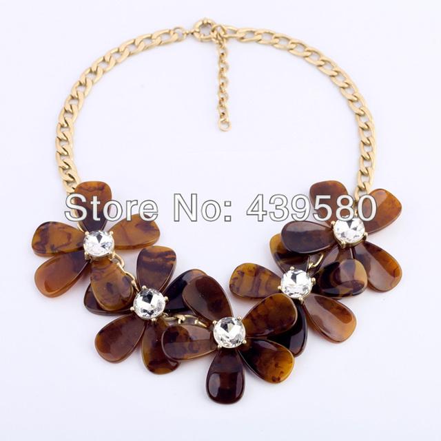 2016 Nueva Venta Caliente de La Joyería Precio de la Alta Calidad Brown Moda del Juego Importante de Collar de Flores de Acrílico