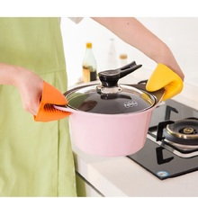 1PCS Kitchen Heat Resistant Silicone Glove Oven Pot Holder Baking BBQ Cooking Mitts