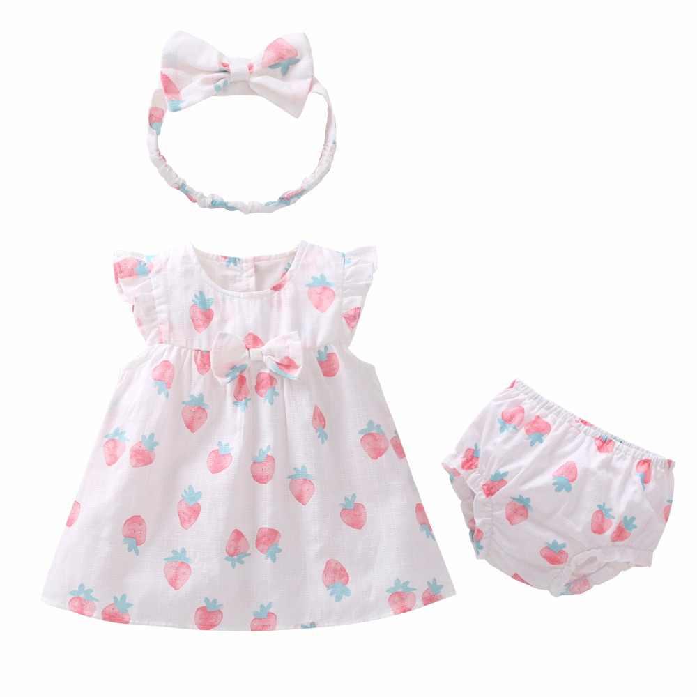 2019 Новое милое летнее платье с рукавами-крылышками для маленьких девочек комплект из 3 предметов розовое Хлопковое платье с рисунком клубники + повязка на голову + трусики