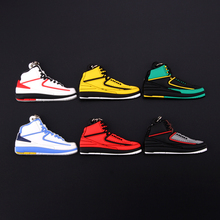 New Mini Shoe Jordan 2 Keychain Men Wome Kids Key Ring Gift Retro Basketball Sneaker Key Chain Key Holder Porte Clef mini silicone sply 350 v2 shoes keychain woman bag charm men kids key ring gift sneaker key chain acessorios porte clef