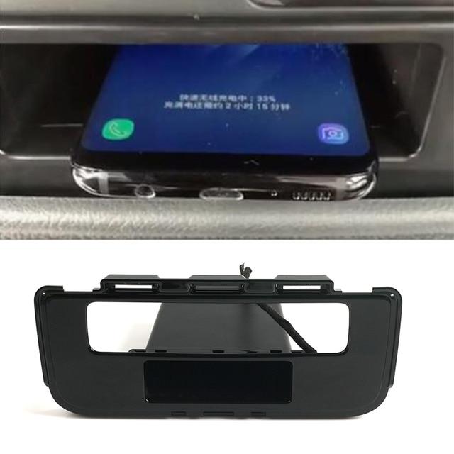 15W QI Wireless Charger ชาร์จโทรศัพท์มือถือได้อย่างรวดเร็วสำหรับ Mitsubishi Outlander 2015 2016 2017 2018