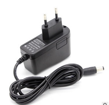 12 V Charger 12.6 V 18650 Lithium Battery Charger DC 5.5 * 2.1 MM Power Adapter+ Free Shipping