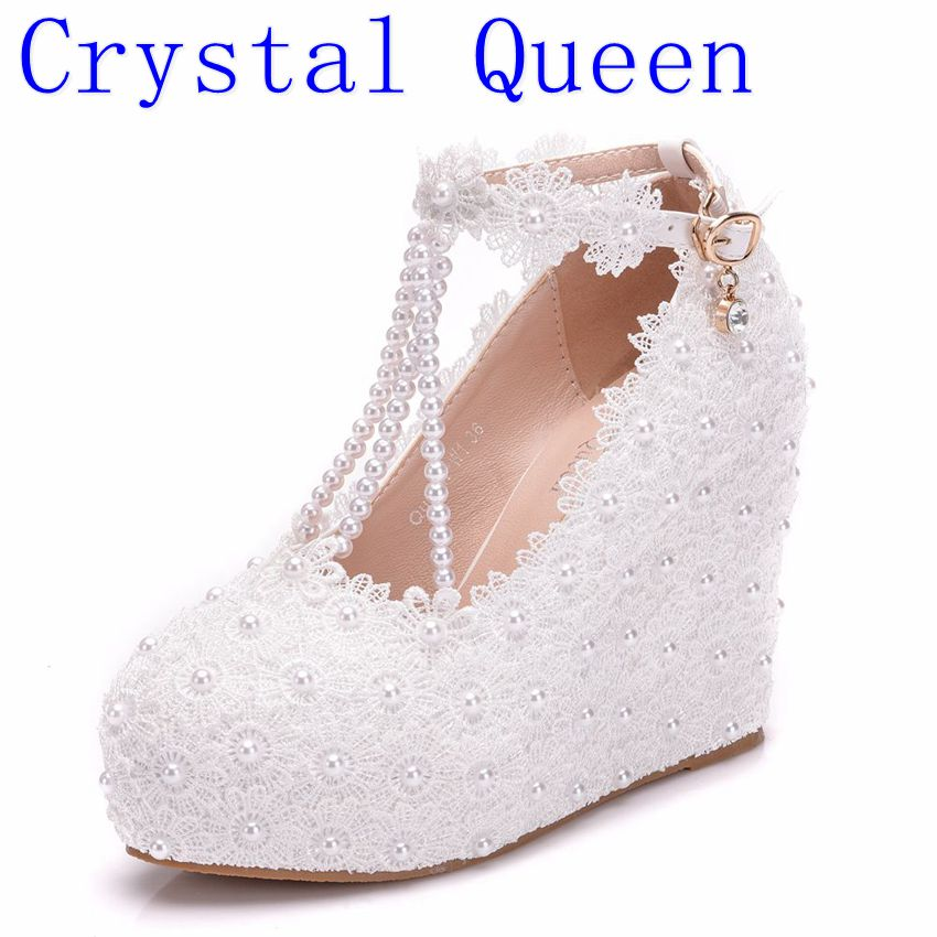 Crystal Queen New Fashion Woman Wedding Shoes Pumps Sweet White Flower Lace Pearl Platform Shoes Bride