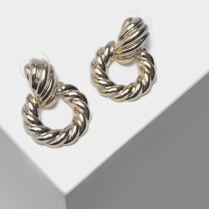 Round pendant fashionable women's earrings