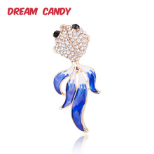 Dream Candy Cute Rhinestone Fish Brooches for Women 2 Colors Enamel Pin Animal Brooch Fashion Accessories Gift for Child Jewelry frogs brooches for women accessories green enamel pin metal animal enamel rhinestone brooch cute kids pin fashion karl jewelry