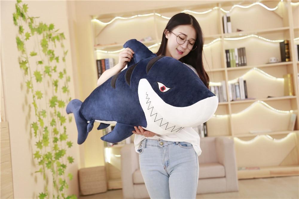 Grosse peluche férocement requin jouet en peluche bleu foncé sous-marin monde requin poupée cadeau environ 120 cm