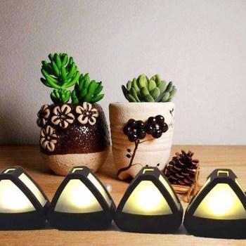 LED Solar light triangular Rice Ball Wall light  Solar panel Charging Sunshine OutdoorIntelligent Light Control Doghouse Lamp