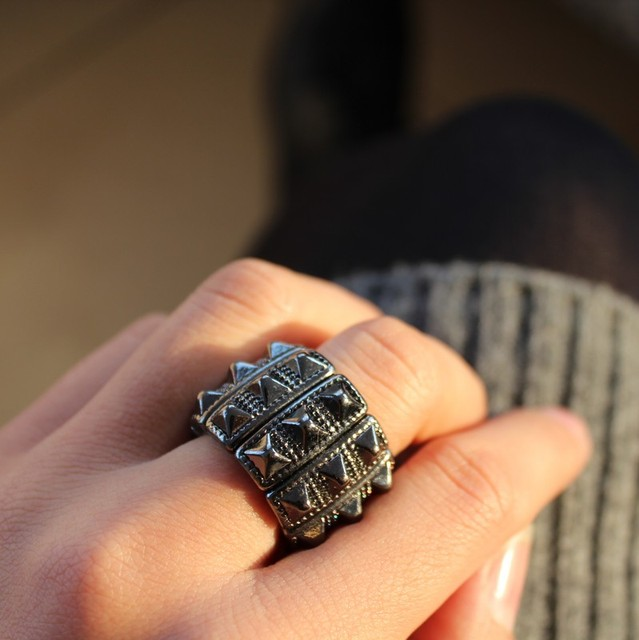 Punk Punch Style Ring
