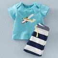 Roupas de bebê menino 2017 crianças de Verão conjuntos de roupas Avião t-shirt + calças Faixa terno conjunto de roupas Roupas de Desenhos Animados ternos do esporte