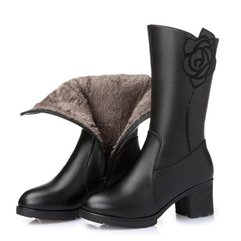 2018 new plus velvet warm comfortable winter boots cowhide leather boots plus size snow boots fashion women shoes Middle boots цена