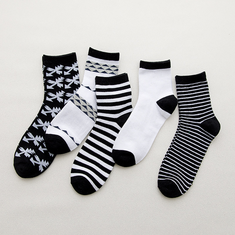 Autumn Winter Men Pure Cotton Socks Crew Standard Thickness Black&White Joker Stripe Pattern Casual Style High Quality Solid