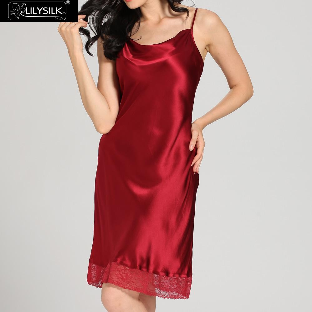 1000-claret-22-momme-lace-long-silk-nightgown-&-dressing-gown-set-01