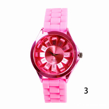 1pc women ladies watches chrysanthemum petals round new sunflower quartz wristwatches silicone daisy mini sports round shape H4