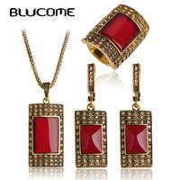 Blucomeชุดเครื่องประดับวินเทจโบราณสีทองสแควร์สีแดงจี้สร้อยคอต่างหูแหวนชุด