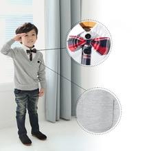Dětský chlapecký jednoduchý svetr s motýlkem