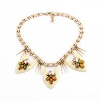 ロイヤル事件誇張メイド花装飾ボヘミアスタイルヴィンテージ活発なネックレス