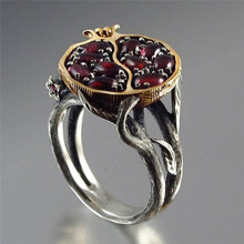 Vintage Gold Color Natural Red Garnet Ring Crystal Rhinestone Stone Leaf bague Pomegranate Jewelry Wedding Anel Rings for Women