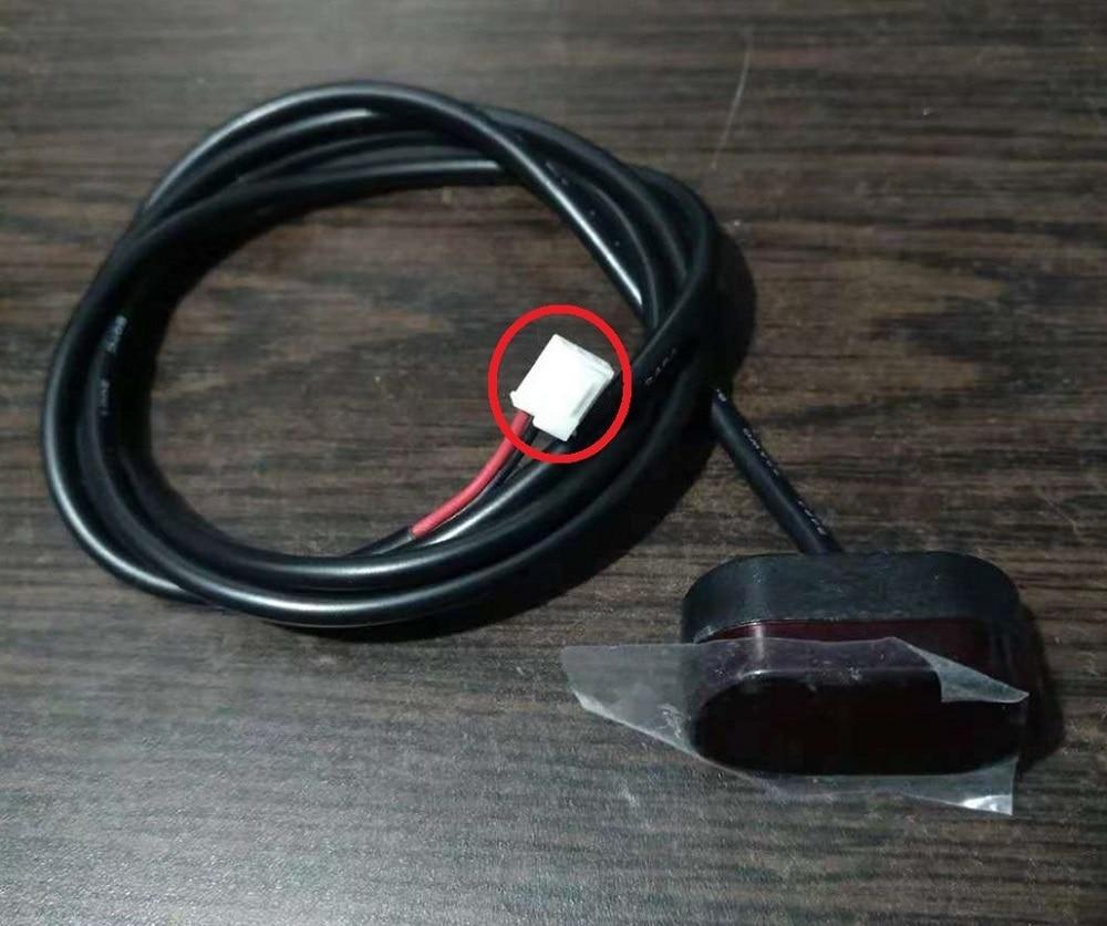 Luz freno trasero con cable patinete Xiaomi Mijia M365 . conector original