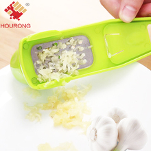Hourong 1Pc Multi-functional Plastic+Stainless Steel Grinding Garlic Presses Kitchen Gadgets Cooking Tools  Chopper Cutter Hand