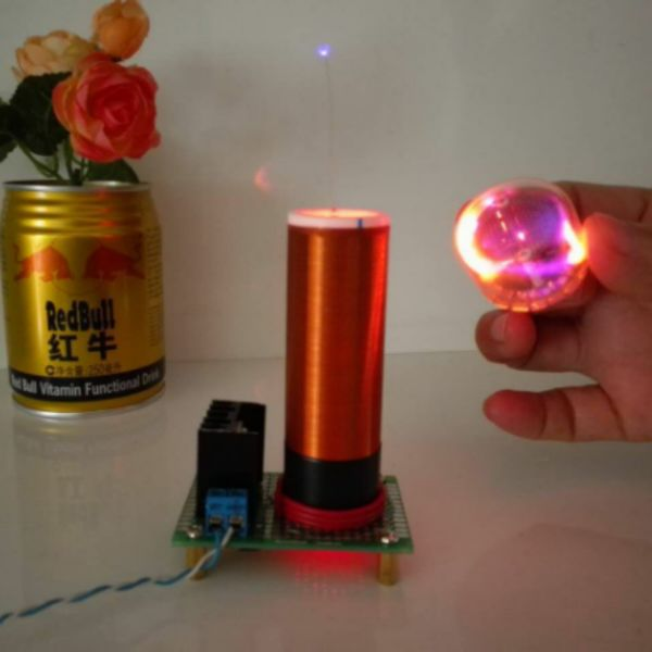 Small Tesla coil with one light tesla coil music diy arc homemade plasma speaker miniature