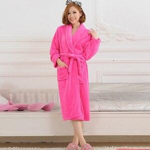 Image 2 - 女性男性フランネルバスローブパジャマ2020秋冬固体ぬいぐるみカップルバスローブ厚く暖かい女性ローブドロップシッピングスムース